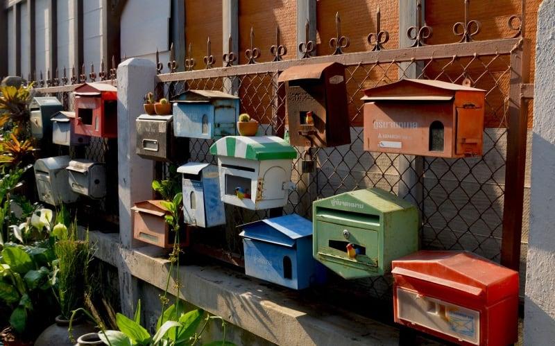 Briefkästen stehen für die Verfügbarkeit des Kontakts