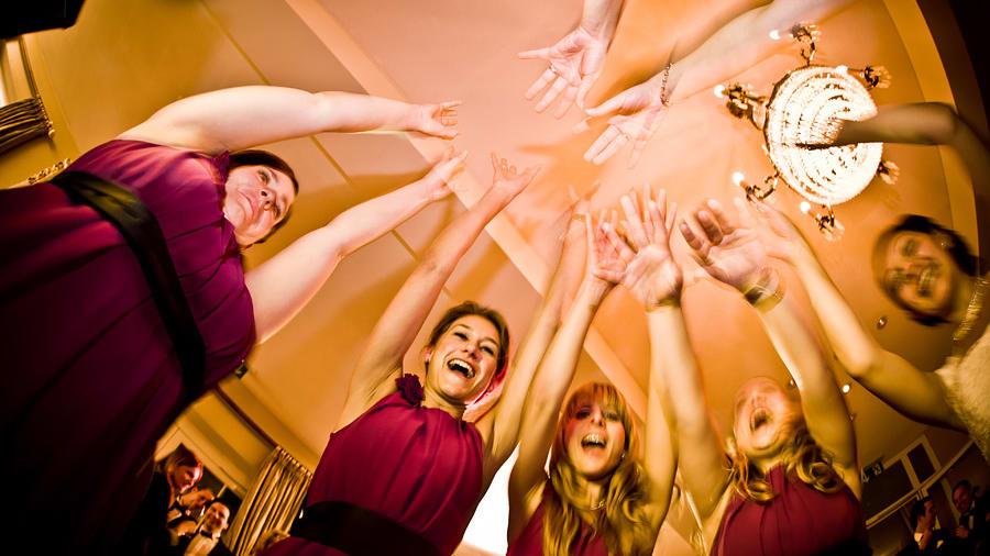 Hochzeitsparty mit viel Spaß zu guter Musik