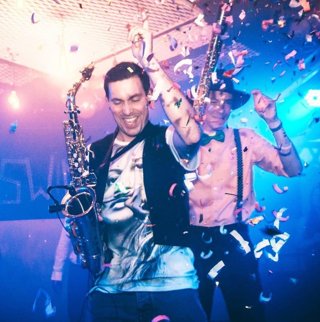 Marc Spieler mit DJ Plus auf Geburtstagsparty
